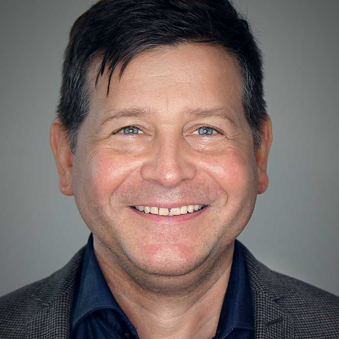 Dr.  Christoph Hutter